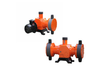 twin head chemical metering pump